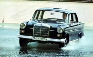 W110 sur la piste d'essais